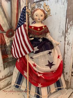 Abigail is looking rather regal as she waves from her parade float. She is dressed in a skirt of antique ticking over cotton pantalets a. 4th July Crafts, Fourth Of July Decor, 4th Of July Decorations, July 4th, Americana Crafts, Patriotic Crafts, Happy Birthday America, Old Glory, Vintage Dolls