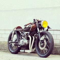 Modifikasi Honda CB750 Cafe Racer