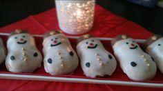 Der leckere Schneemannkuchen für den Weihnachtskaffeetisch