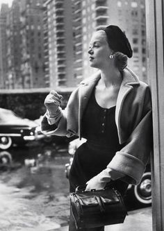 New York City, September photograph by Nina Leen Albert Camus, 1950s Fashion, Vintage Fashion, Vintage Beauty, Vintage Style, White Photography, Fashion Photography, Collection Company, Life Pictures
