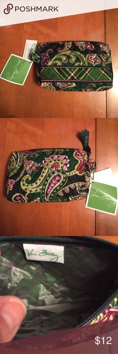Vera Bradley  Small Cosmetic Bag Chelsea NWT Vera Bradley Retired Chelsea Green Cosmetic Bag NWT made between 2005-2007. Plastic lined inside no rips or Stains Vera Bradley Bags Cosmetic Bags & Cases