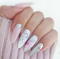 Nail art Christmas - the festive spirit on the nails. Over 70 creative ideas and tutorials - My Nails Hot Nails, Hair And Nails, Nail Manicure, Nail Polish, Cute Christmas Nails, Christmas Decor, Uñas Fashion, Nagellack Trends, Nail Art Diy