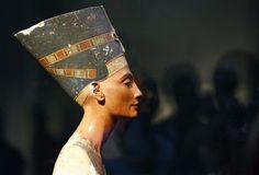 The Egyptian queen Nefertiti  14th Centurries BC