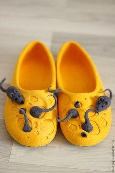 """Обувь ручной работы. Ярмарка Мастеров - ручная работа Тапочки """"Мышиное царство""""…"""