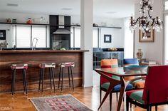 Casa é repleta de móveis vintage e objetos com história - Casa