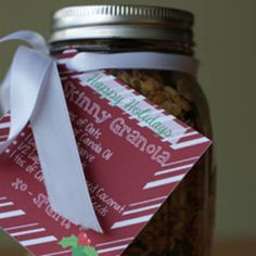 Homemade Skinny Granola from Lauren Conrad Designed for a gift but I think I'll eat it myself Healthy Snacks, Healthy Recipes, Pots, Granola Bars, Food Gifts, Homemade Gifts, Love Food, Breakfast Recipes, Cooking Recipes