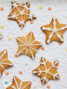 Christmas Treats, Christmas Baking, Christmas Recipes, Spiced Christmas Biscuits, Pinch Of Nom, Homemade Desserts, Dessert Recipes, Mince Pies, Low Calorie Recipes
