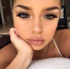 Demi Mawby - Makeup