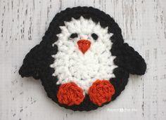 Repeat Crafter Me: P is for Penguin: Crochet Penguin Applique Free Crochet Pattern. Appliques Au Crochet, Crochet Motifs, Crochet Squares, Crochet Gifts, Cute Crochet, Crochet Toys, Crochet Baby, Crochet Beanie, Applique Patterns