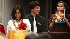 """Film der Woche: Ufo In Her Eyes - """"Ein ideologischer Schrottplatz"""" - So märchenhaft kann der Kapitalismus sein: """"Ufo In Her Eyes"""" karikiert die plötzliche Goldgräberstimmung in Chinas Provinz, hat aber die globale Ausbeutung von Menschen und Ressourcen im Blick. Mit der Filmemacherin Xiaolu Guo sprach vorwärts.de über die Hintergründe ihres gar nicht so abgehobenen Warnrufs."""