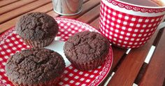 Karobos muffin (paleo, gluténemtes, tejmentes, cukormentes) Muffin, Fitt, Food And Drink, Cookies, Chocolate, Breakfast, Crack Crackers, Morning Coffee, Biscuits