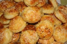 Silvester Party, Salty Snacks, Mini Foods, Croissant, Christmas Baking, Pretzel Bites, Biscuits, Bakery, Pizza