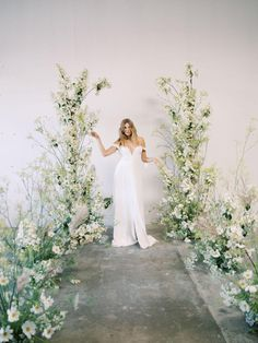 We are head over heels in love with this elegant wedding editorial that is simply poetic. California wedding vendors have outdone themselves using delicate wild flowers and daisies that overflow from every corner. Wedding Ceremony Backdrop, Ceremony Arch, Ceremony Decorations, Wedding Aisles, Wedding Backdrops, Wedding Ceremonies, Wedding Flower Decorations, Outdoor Ceremony, Wedding Reception