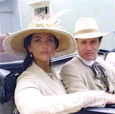 Francis Huster and wife Cristina Reali. Francis Huster, Pamela, Fashion Lookbook, Princess Diana, Celebrity Pictures, Panama Hat, Photos, Couples, Celebrities