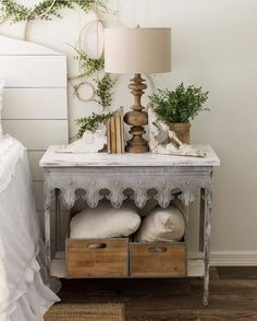 """Just because you do not reside in a farmhouse does not mean that you can not make a modern farmhouse bedroom! It may be vintage, traditional, easy, boho, shabby chic… whatever states""""home"""" for… Farmhouse Bedroom Furniture, Modern Farmhouse Bedroom, Bedroom Furniture Design, Shabby Chic Furniture, Home Furniture, Bedroom Decor, Farmhouse Style, Farmhouse Decor, Furniture Ideas"""