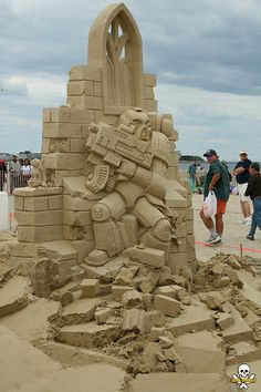 Fourth Place sand sculpture by Mark Lepire at Hampton Beach