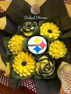 Succulent Cupcakes, Cupcake Bouquets, Custom Cupcakes, Themed Cupcakes, Food Network Recipes, Bloom, Floral, Gifts, Sweets