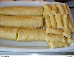 Bramborové knedlíky a šištičky Hot Dog Buns, Hot Dogs, Russian Recipes, Dumplings, Bread Baking, Quiche, Sausage, Sweet Treats, Potatoes