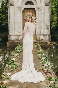Midsummer Night's WeddingPhotography: Paula O'Hara || Amara • Bridal Registry • ||