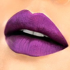Milani's NEW Limited Edition Amore Mattallics Lip Crème in Raving Matte. Photo credit: @thecinemascoper