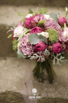 Bouquet de Mariée fleurs roses www.lentrepots-artisanfleuriste.com