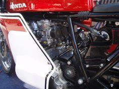 Honda CR750 Dick Mann Replica