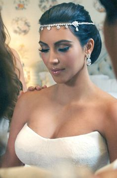 Kim Kardashian Wedding Hairstyles And Haircuts Ideas - Kim Kardashian can be a defining moment for you at the phase of the hairdo at your wedding. Kim Kardashian Braids, Looks Kim Kardashian, Kim Kardashian Wedding, Kardashian Style, Kardashian Hairstyles, Black Wedding Hairstyles, Bride Hairstyles, Headpiece Wedding, Bridal Hair