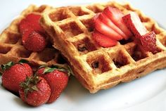 Gojee - Cornmeal Buttermilk Waffles with Strawberries by Brooklyn Supper Brownie Desserts, Oreo Dessert, Mini Desserts, Coconut Dessert, Strawberry Dessert Recipes, Delicious Desserts, Waffle Recipes, Brunch Recipes, Sweet Recipes
