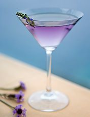 :) Post Ranch Inn (Big Sur) Lavender Martini The Most Beautiful View/drink from one of my favorit places! Cocktails, Party Drinks, Cocktail Drinks, Cocktail Recipes, Alcoholic Drinks, Beverages, Lavender Martini, Lavender Cocktail, Mojito