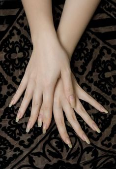 Want to know how to do gel nails at home? Learn the fundamentals with our DIY tutorial that will guide you step by step to professional salon quality nails. Sexy Nails, Classy Nails, Stylish Nails, Cute Nails, Pretty Nails, Short Nails, Long Nails, Long Natural Nails, Gel Nails At Home