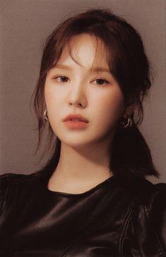 """슬금슬금 on Twitter: """"… """" Kpop Girl Groups, Korean Girl Groups, Kpop Girls, Wendy Red Velvet, Red Velvet Irene, Her Smile, Seulgi, Thing 1, Entertainment"""