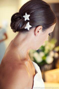 starfish hair combs | via starfish wedding ideas: http://emmalinebride.com/beach/starfish-wedding-ideas/