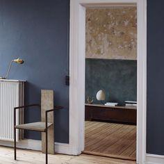 Deep in this wonderful blue. The #Copenhagen home and studio of designer @framacph   Via @remodelista #noguchi #frama #blue
