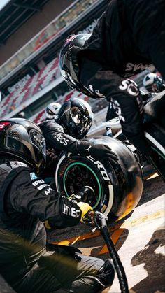F1 Lewis Hamilton, Lewis Hamilton Formula 1, F1 Wallpaper Hd, Car Wallpapers, Narcos Wallpaper, Sport Cars, Race Cars, Motor Sport, Formula 1 Car Racing