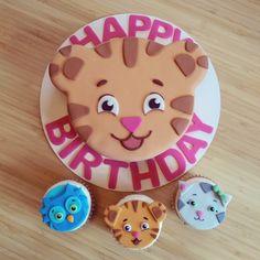 daniel tiger cake and cupcakes