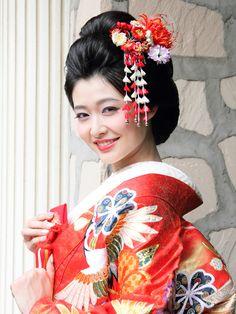 Japanese Geisha, Japanese Kimono, Updo Styles, Japanese Characters, Japan Art, Hanfu, Japanese Culture, Oriental, Asian Fashion