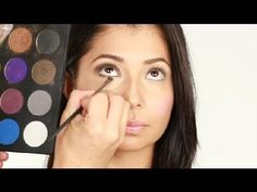 """Cómo crear un """"look"""" ojo ahumado : Técnicas de maquillaje con Luis Casco - YouTube"""