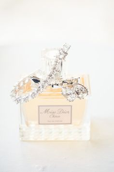 The signature scent | Photo by Milk Photography | 30 Details We Love for Classic and Traditional Weddings Parfum Chic, Milk Photography, Antique Perfume Bottles, Perfume Tray, Melbourne Wedding, Miss Dior, Smell Good, Bridal Accessories, Girly Things