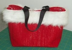 Passionate Quilter: HOLIDAY PLACEMAT PURSE Tutorial
