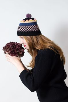Knit Hat Tillie - Dark-colored winter hat made of merino wool, checkerboard pattern - Pompom Beanie knitted by MARGOT & ME Checkerboard Pattern, Knitting Accessories, Hat Making, Candyland, Dark Colors, Winter Collection, Merino Wool, Knitted Hats, Winter Outfits