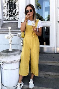 Yellow Jumpsuit, Jumpsuit Outfit, Jumper Outfit, Vintage Summer Outfits, Spring Outfits, Europe Outfits Summer, Vintage Summer Style, Tumblr Summer Outfits, Summer Pants Outfits