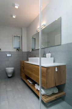 שידת אמבטיה מעץ מלא | שידה תלויה שעיצבה רוני שני פלדשטיין | יוניק דברים מיוחדים