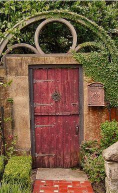 Entrada para o jardim.  Fotografia: Dennis Cluth no 500px.