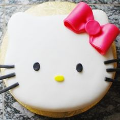 Hello Kitty #Cake