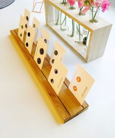 Eine simple und schöne Idee für ein Ohrstecker-Display - gefunden bei PerfectPurchaseAU auf etsy