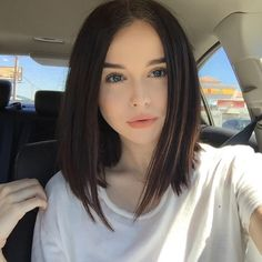 55 Acacia Brinley Hair Inspiration Looks Simple at Every Opportunity Medium Hair Styles, Short Hair Styles, Short Dark Hair, Hair Looks, Hair Lengths, Bob Hairstyles, Hair Trends, New Hair, Hair Inspiration