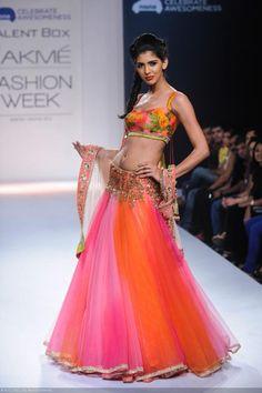 View LFW'13: Anushree Reddy Pics on TOI Photogallery