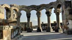 Armenien das nicht so bekannte Land Die reiche und kulturelle Vergangenheit Armeniens hat seine historischen Spuren hinterlassen. Zahlreiche Ausgrabungen enthüllen neue Fakten über das Land. Videos Videos, Heritage Site, Mysterious Places, Armenia, Pilgrim, Country, Statues, Past, Video Clip