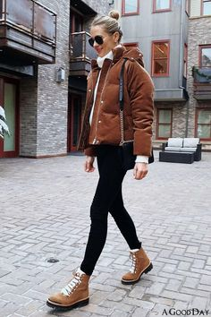 Winter Mode Outfits, Casual Winter Outfits, Winter Fashion Outfits, Autumn Winter Fashion, Fall Outfits, Winter Snow Outfits, Snow Outfits For Women, Cute Winter Boots, Winter Wear