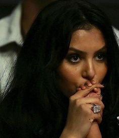Mrs. Kobe Bryant-- really? this ring? sheesh!